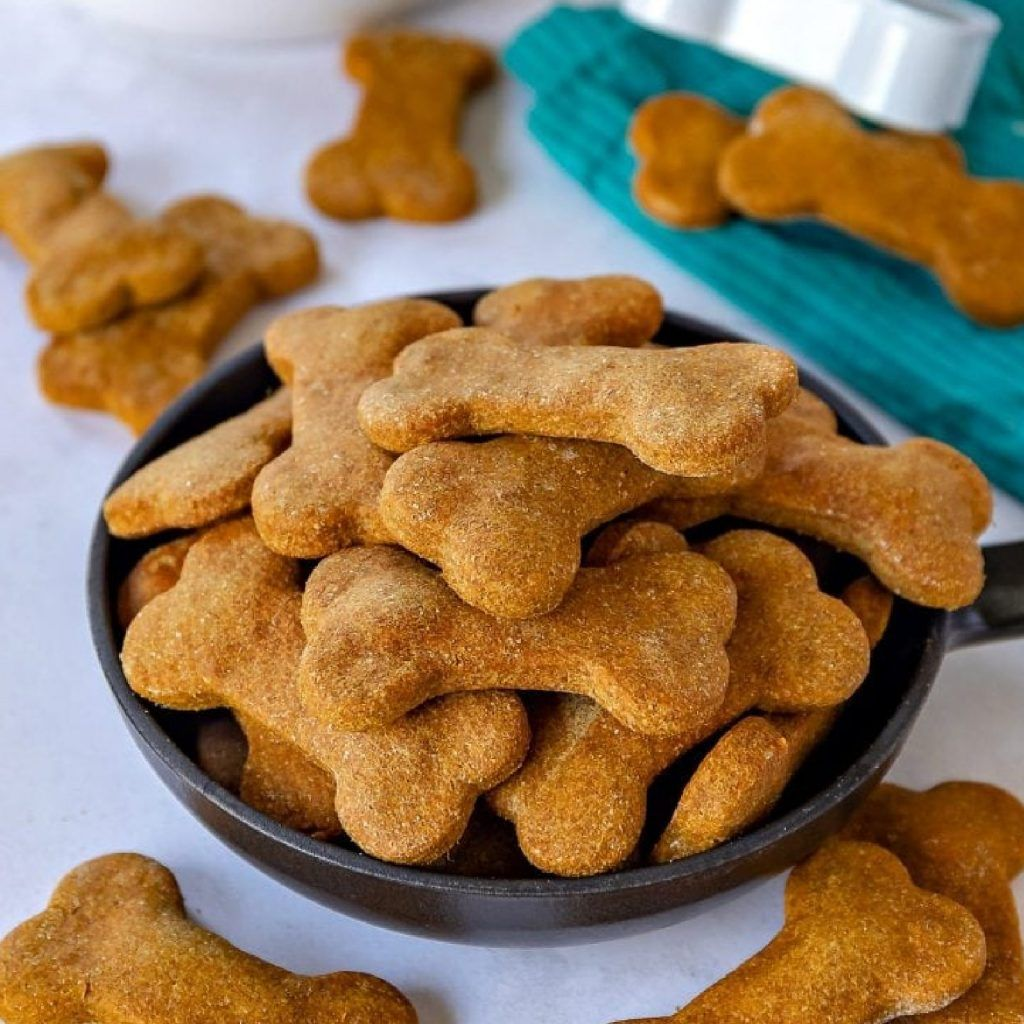 Easy-Homemade-dog-treats-recipes-Doggies-in-Town-2-1024x1024